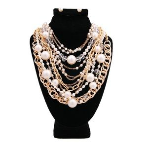 Cream Pearl and Clear Beads Necklace Set